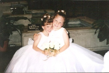 Stephanie and Sarah as little girls