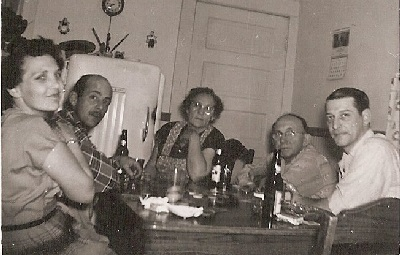 mom-dad-uncle-kris-grandma-grandpa-playing-cards2