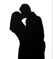 kissing silhouette